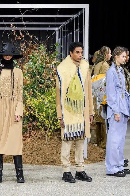 environmental cost fashion shows